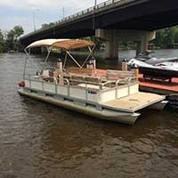 Fremont watersports rentals rates for waverunner pontoon for Wisconsin fishing resorts with boat rentals